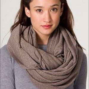 ISO American apparel tri coffee infinity scarf!